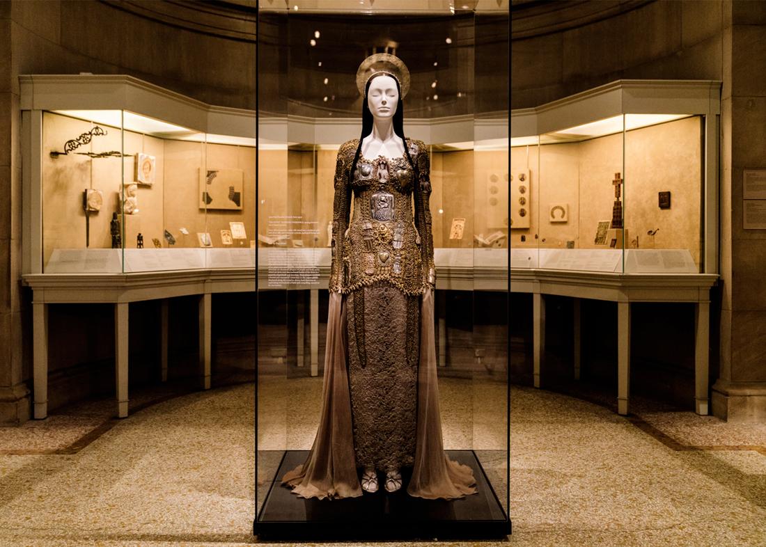 Metropolitan museum fashion exhibit 38